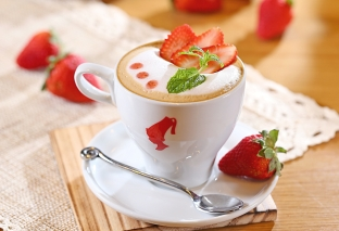 drink-coffee-mocha-strawberry-sweet-art-cup-spoon-hd-wallpaper-